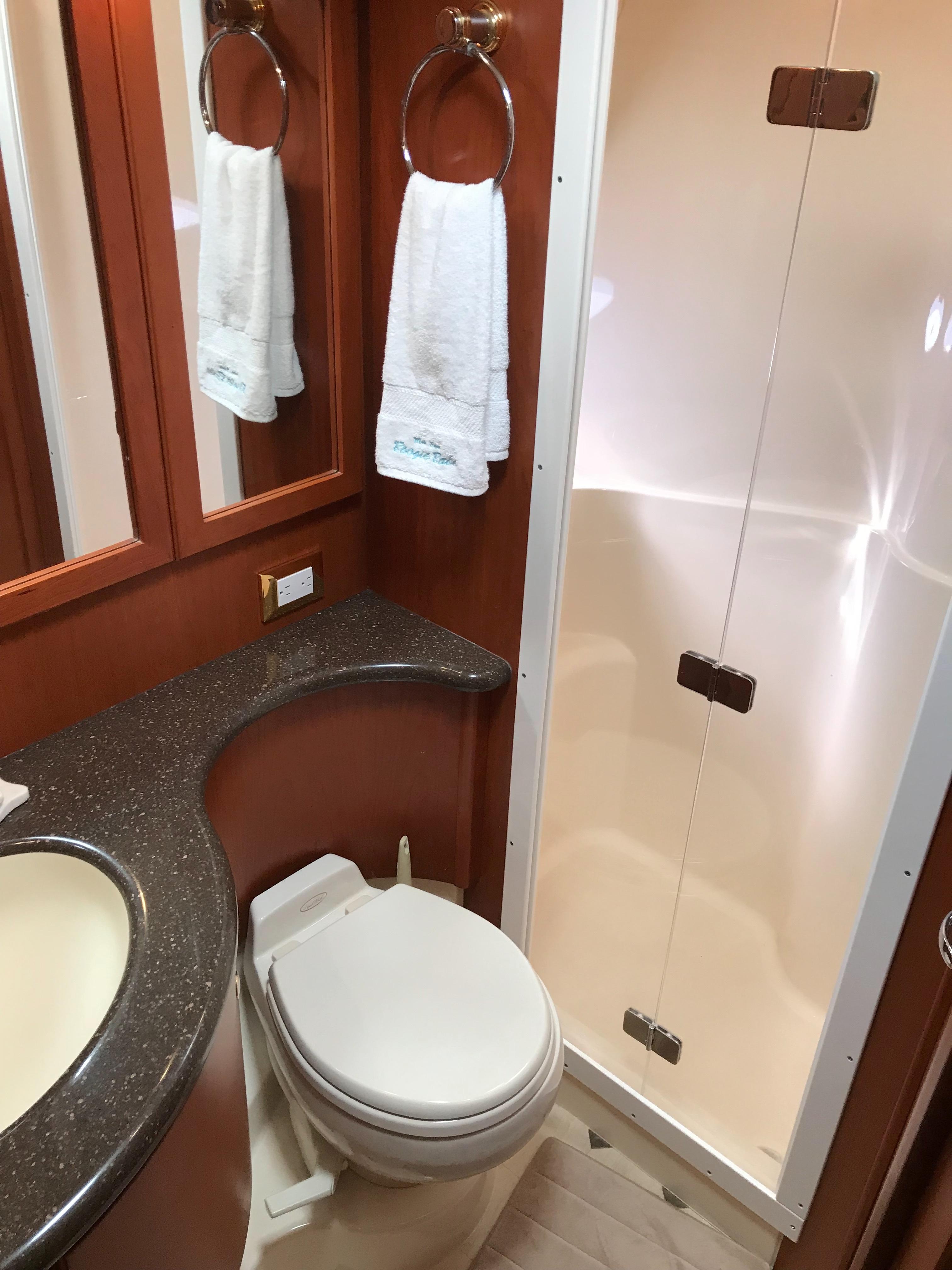 Silverton 48 Convertible - VIP Head/Shower Stall