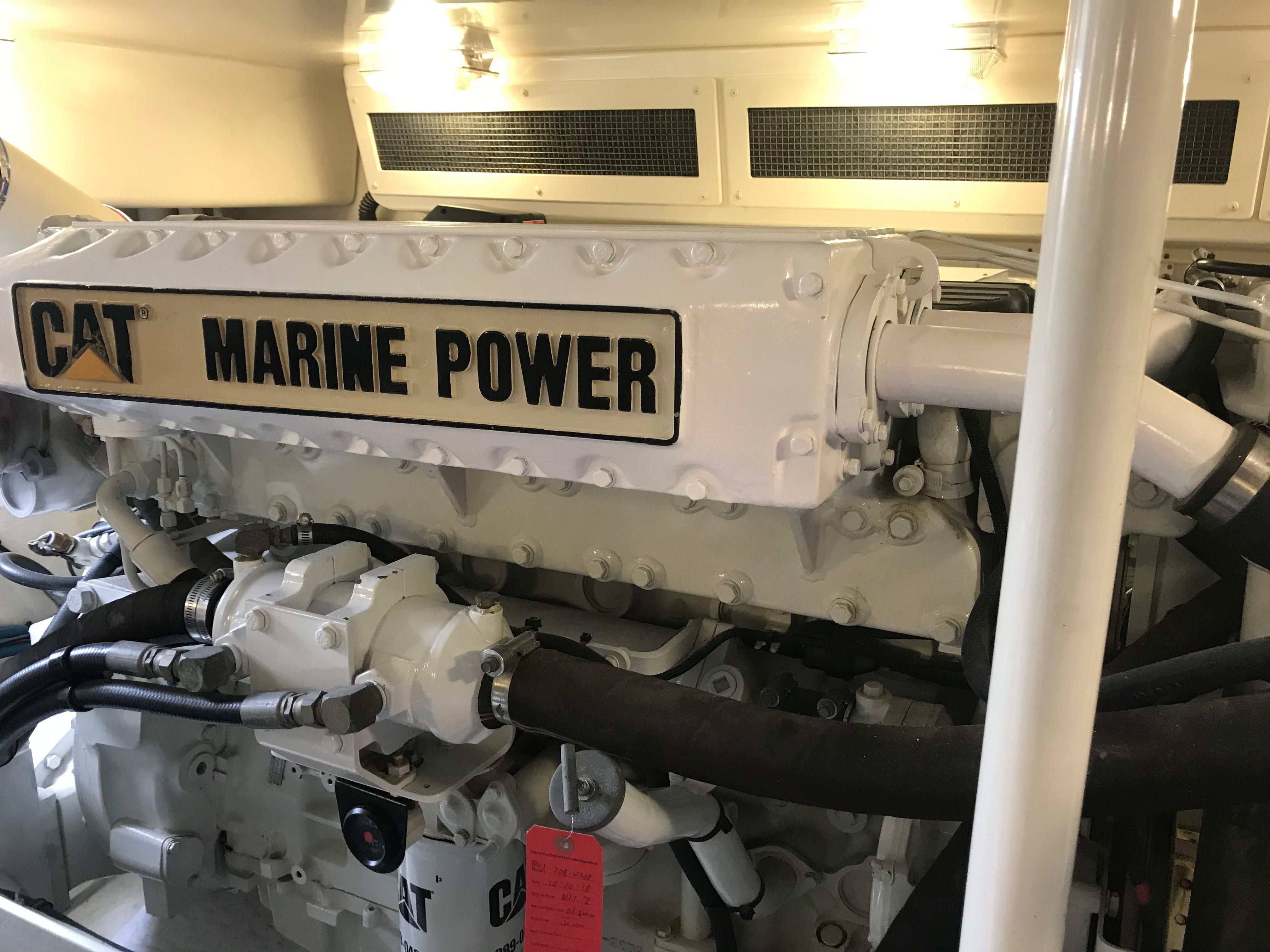 Silverton 48 Convertible - Port Engine