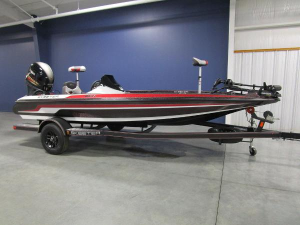 2021 Skeeter boat for sale, model of the boat is ZX150 & Image # 2 of 49