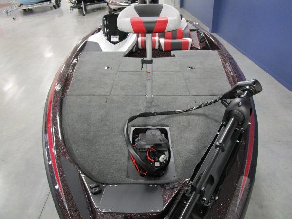 2021 Skeeter boat for sale, model of the boat is ZX150 & Image # 3 of 49