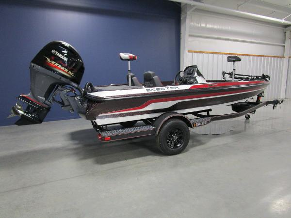 2021 Skeeter boat for sale, model of the boat is ZX150 & Image # 4 of 49