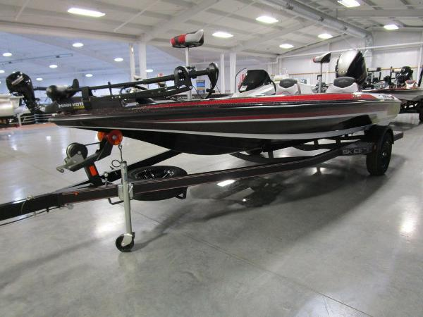 2021 Skeeter boat for sale, model of the boat is ZX150 & Image # 11 of 49