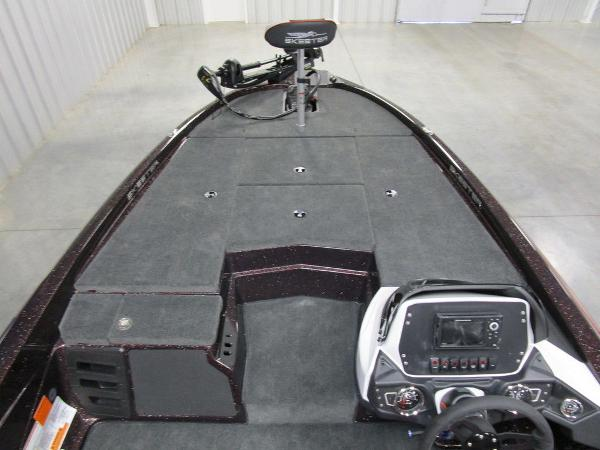 2021 Skeeter boat for sale, model of the boat is ZX150 & Image # 20 of 49