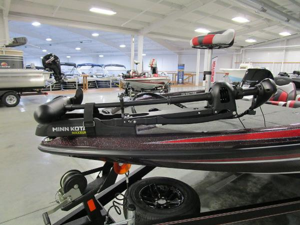 2021 Skeeter boat for sale, model of the boat is ZX150 & Image # 22 of 49