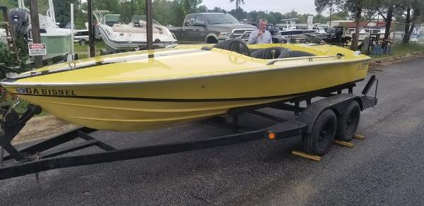 1968 Donzi boat for sale, model of the boat is Classic 18 & Image # 8 of 13