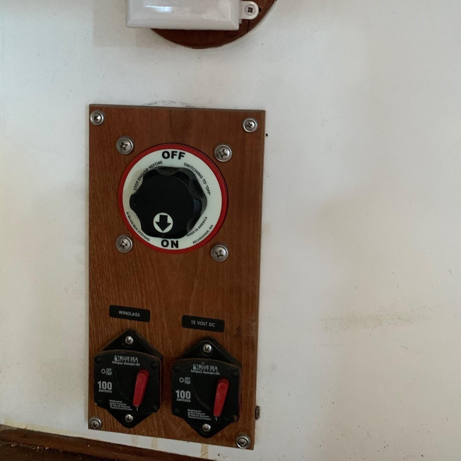 Mast Power Switch