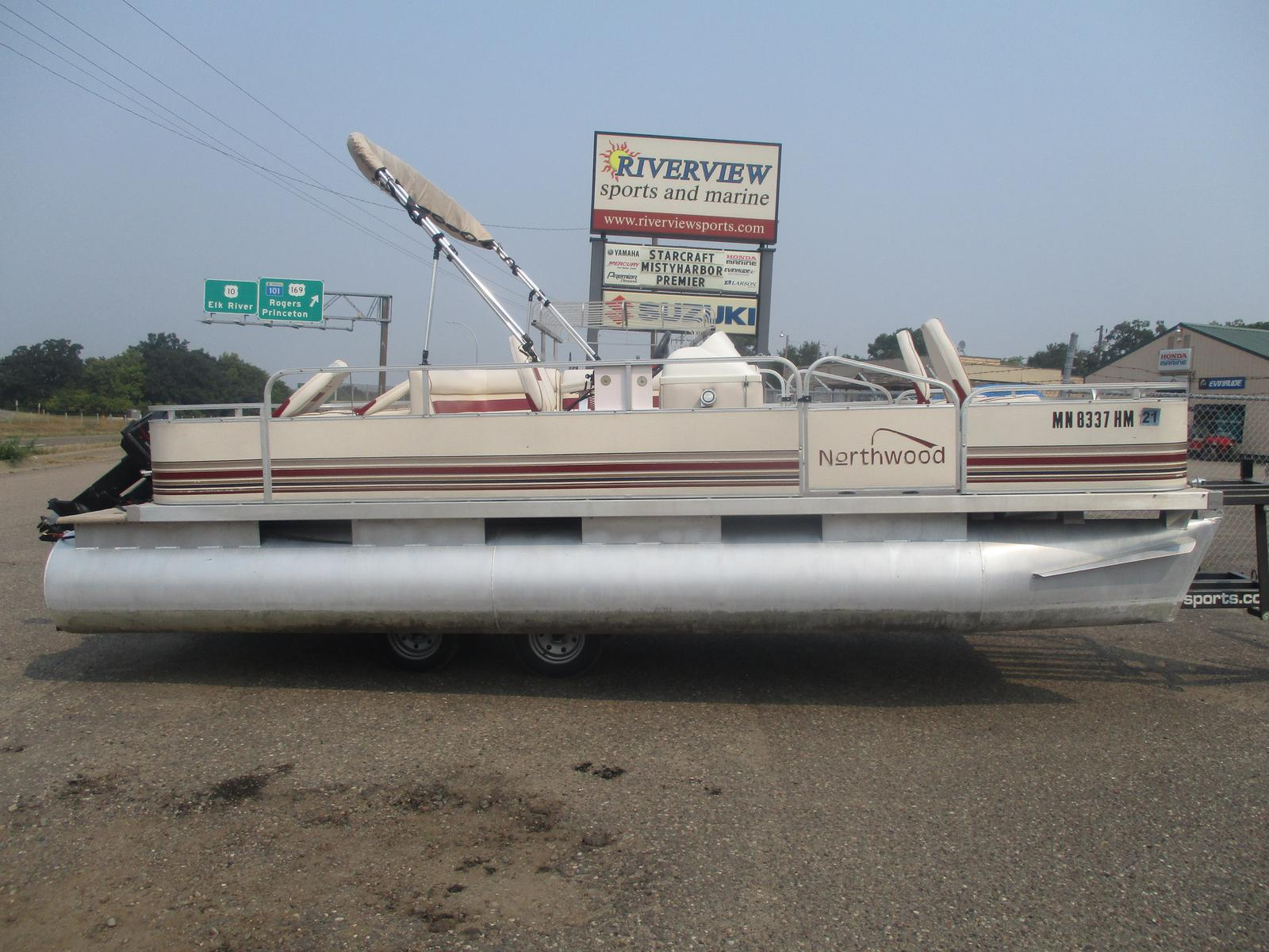 1998 NORTHWOODS 820 Sportster With A 28HP Evinrude Motor