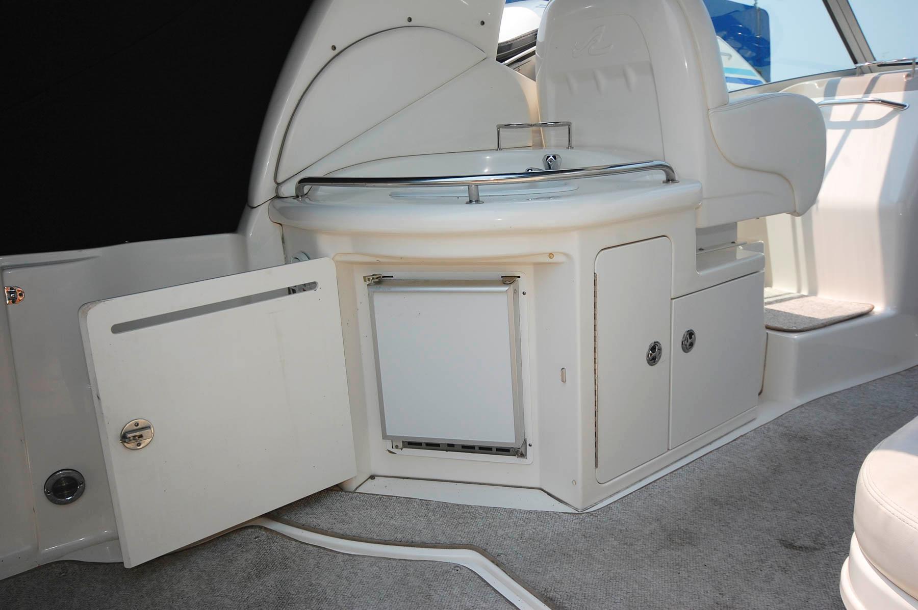 O 6242 HG Knot 10 Yacht Sales