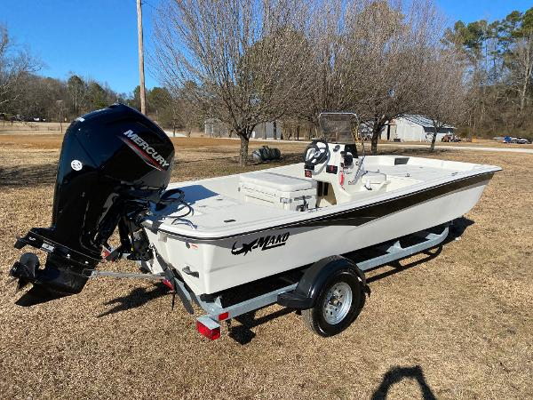 2021 Mako boat for sale, model of the boat is Pro Skiff 17 CC & Image # 3 of 18
