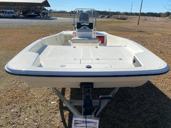 2021 Mako boat for sale, model of the boat is Pro Skiff 17 CC & Image # 6 of 18