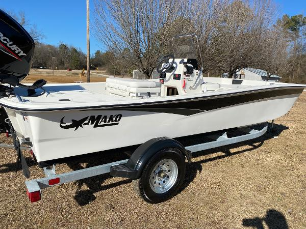 2021 Mako boat for sale, model of the boat is Pro Skiff 17 CC & Image # 8 of 18