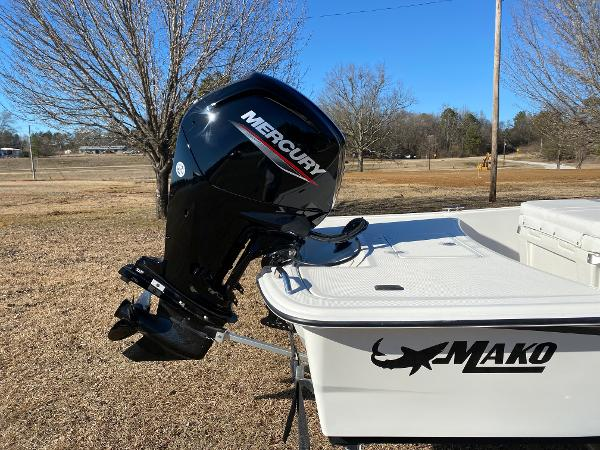 2021 Mako boat for sale, model of the boat is Pro Skiff 17 CC & Image # 9 of 18