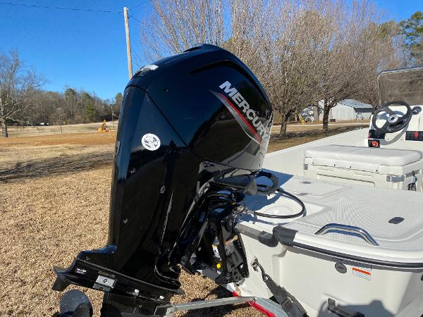 2021 Mako boat for sale, model of the boat is Pro Skiff 17 CC & Image # 10 of 18