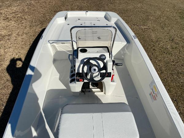 2021 Mako boat for sale, model of the boat is Pro Skiff 17 CC & Image # 13 of 18