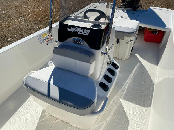 2021 Mako boat for sale, model of the boat is Pro Skiff 17 CC & Image # 15 of 18