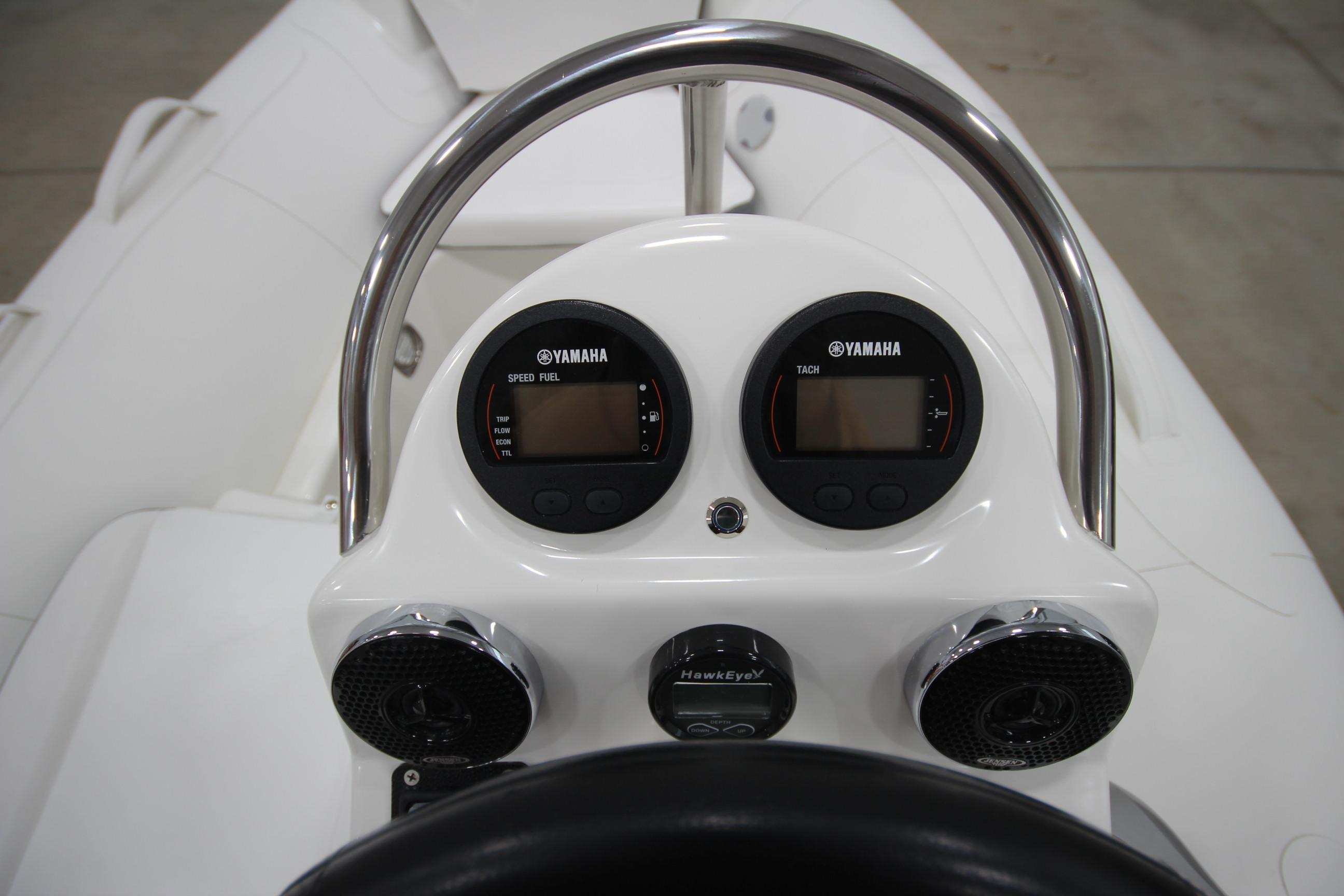 2021 Zodiac Yachtline 400 Deluxe NEO GL Edition 50hp In Stock, Image 18