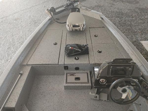 2021 Xpress boat for sale, model of the boat is X19 Pro & Image # 4 of 18
