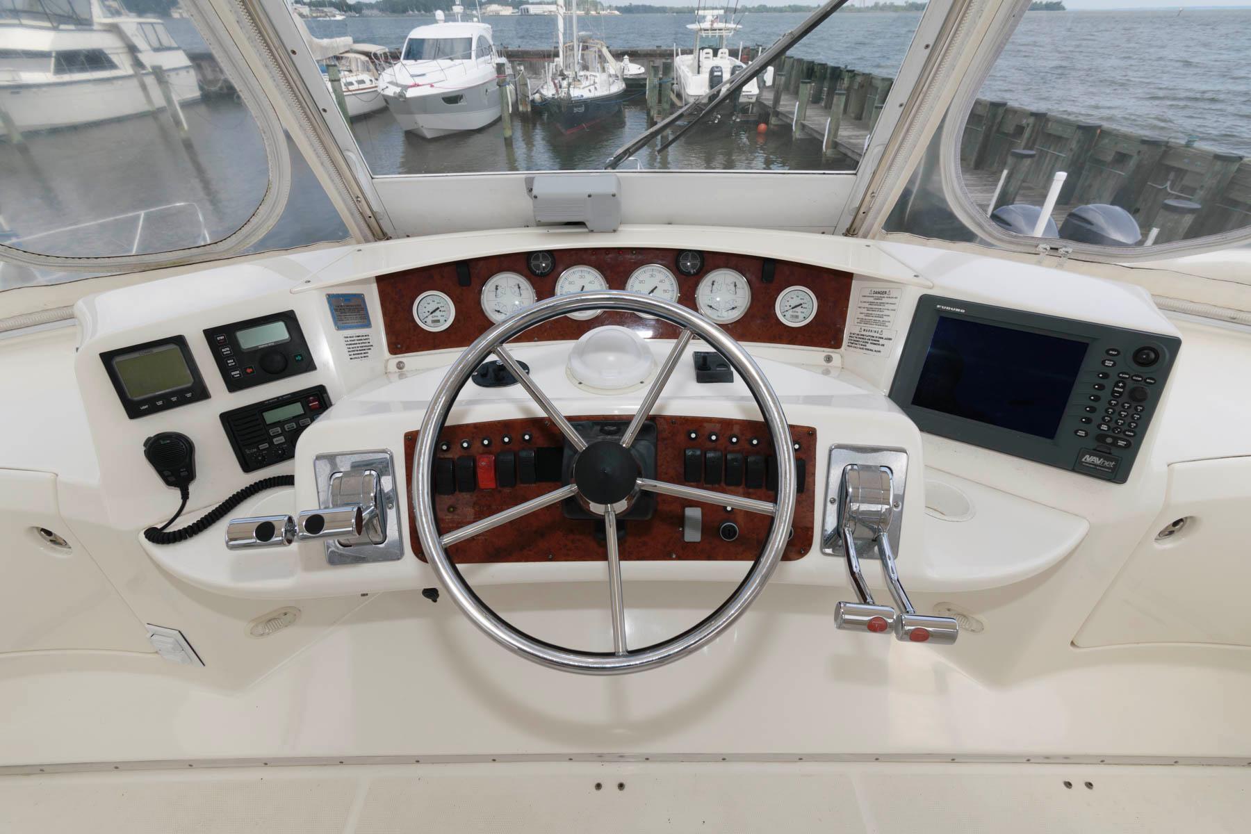 M 6469 TW Knot 10 Yacht Sales