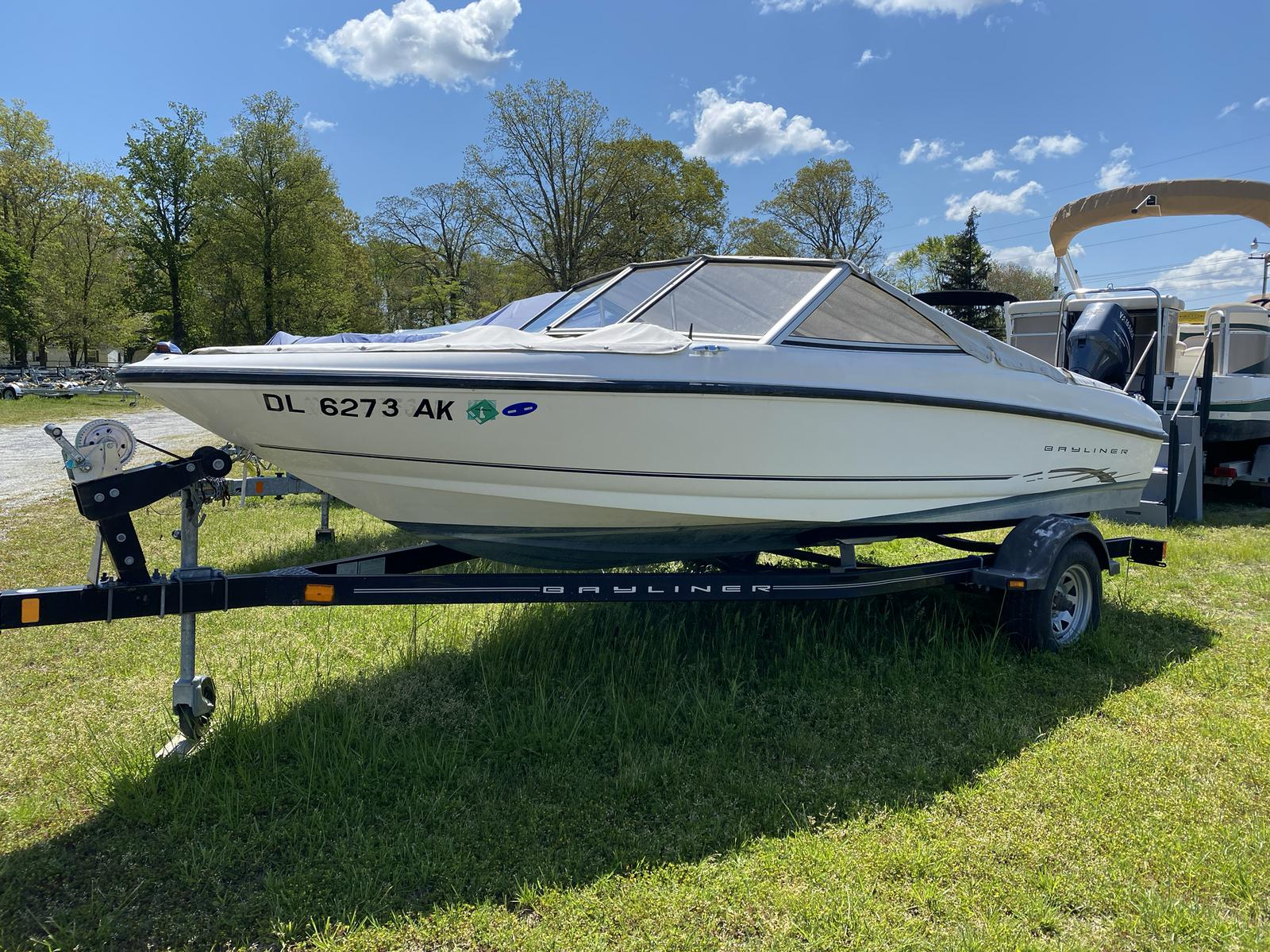 2003 Bayliner boat for sale, model of the boat is 175 Bowrider & Image # 1 of 10