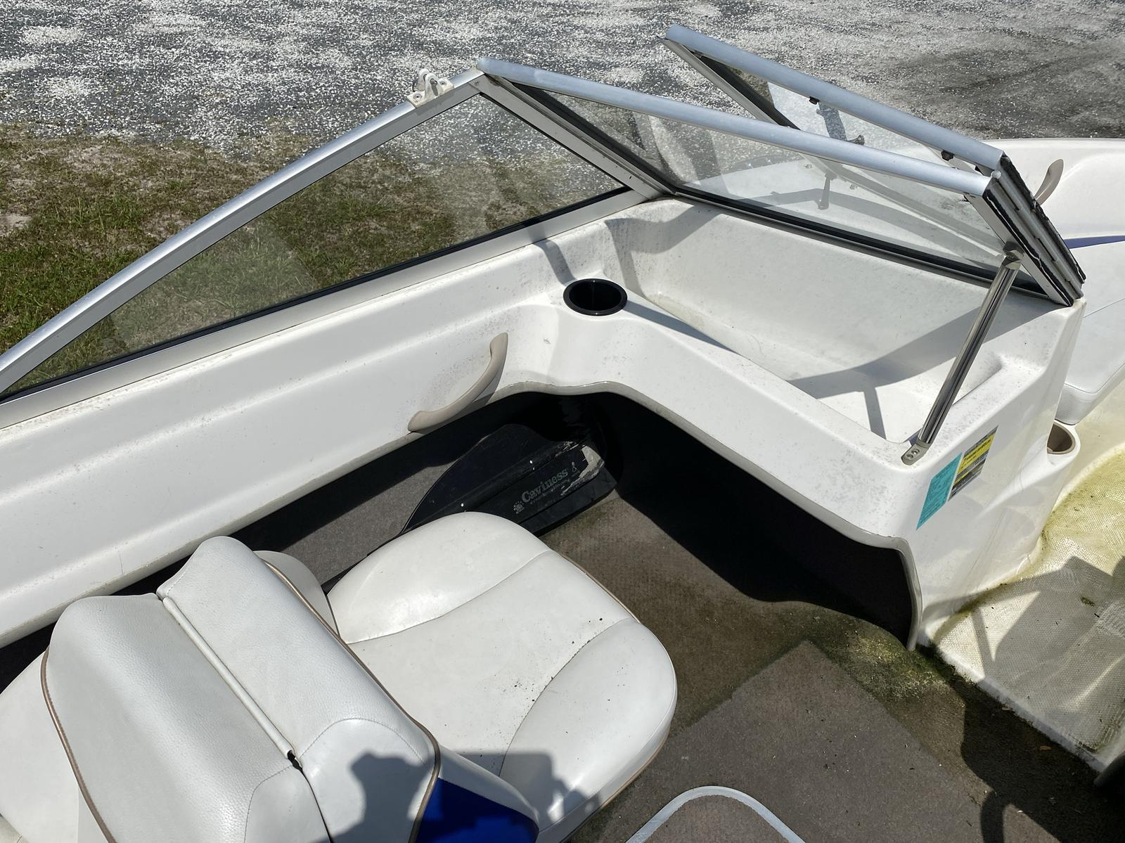 2003 Bayliner boat for sale, model of the boat is 175 Bowrider & Image # 2 of 10