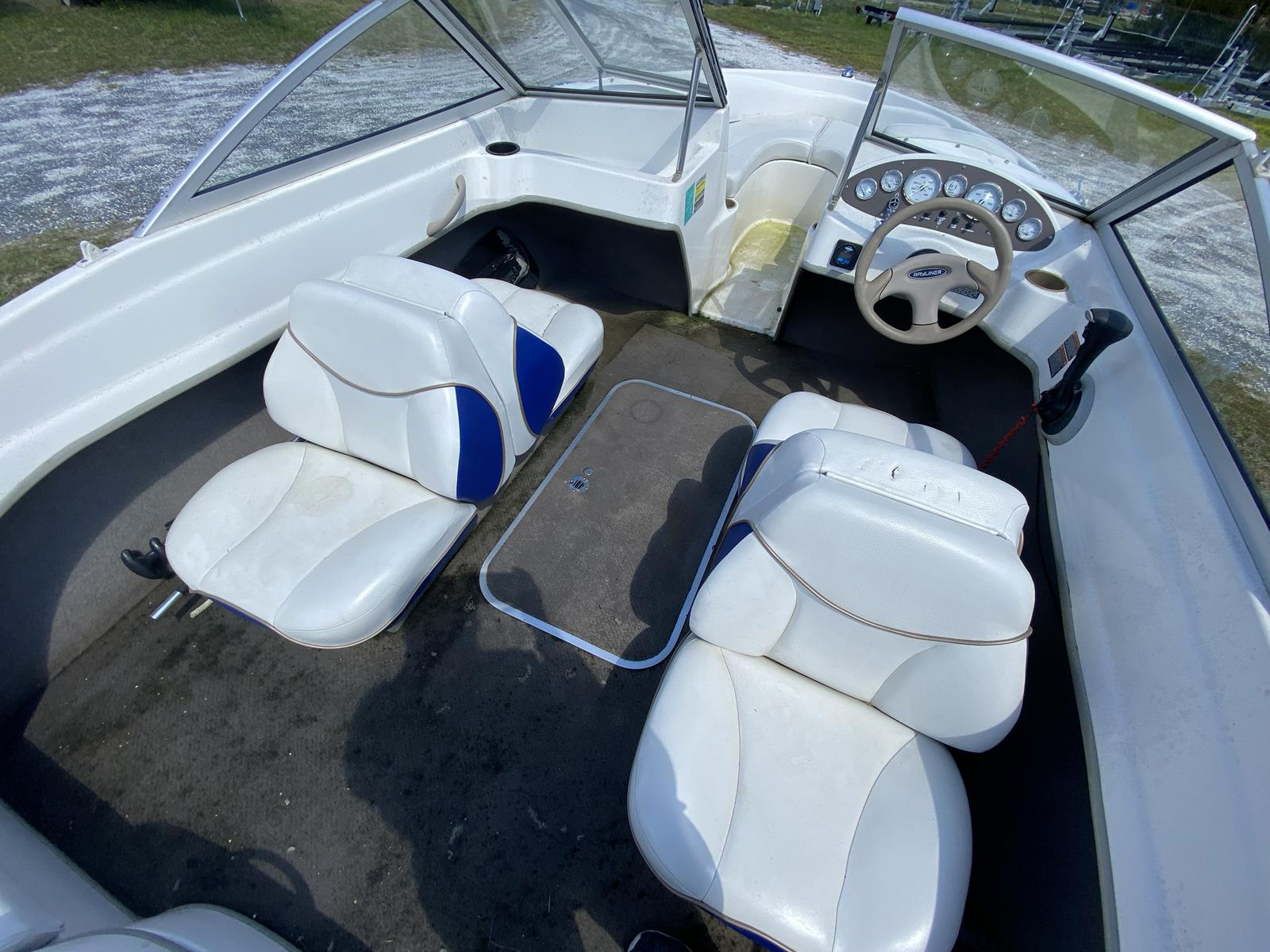 2003 Bayliner boat for sale, model of the boat is 175 Bowrider & Image # 4 of 10