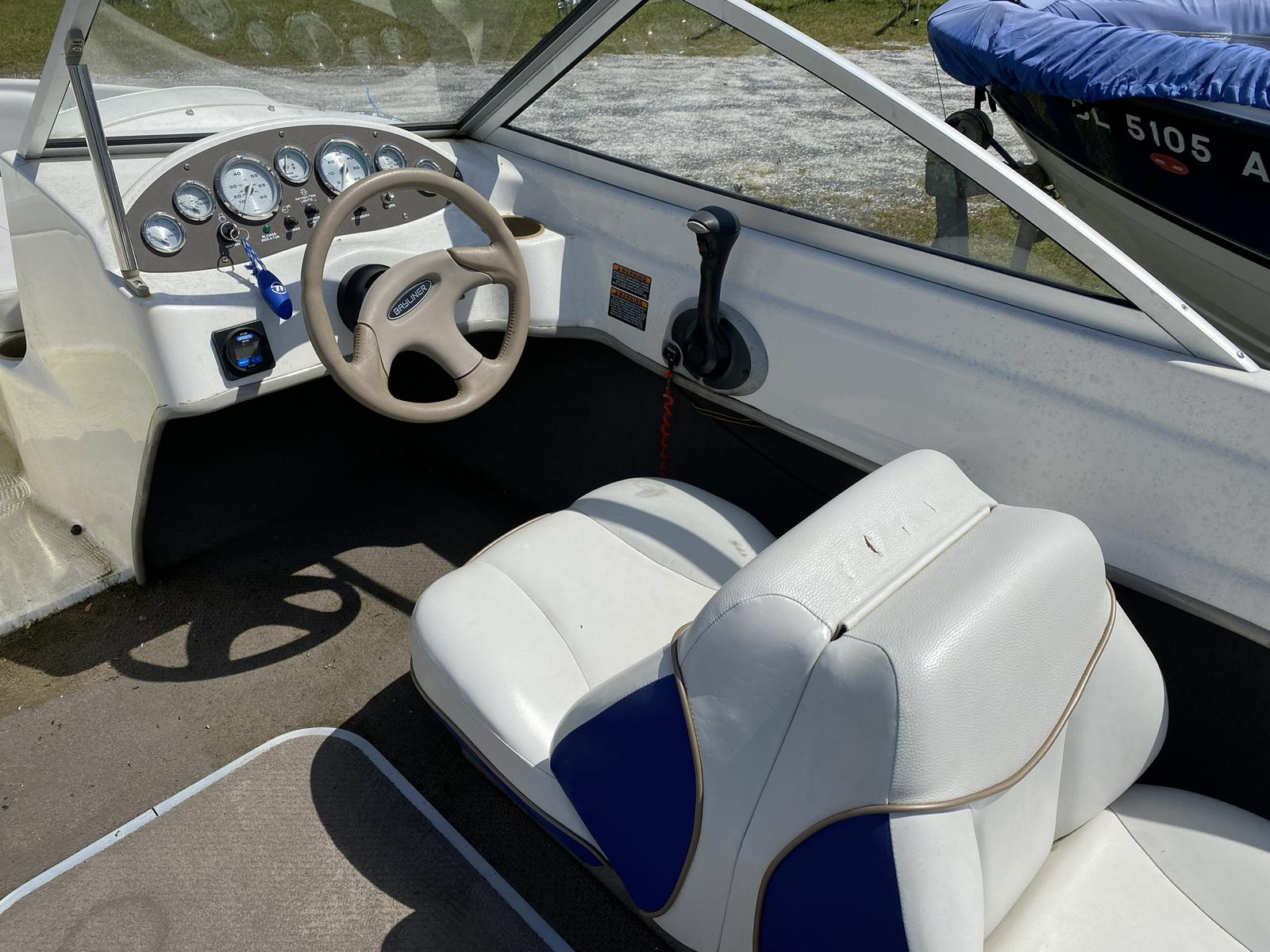 2003 Bayliner boat for sale, model of the boat is 175 Bowrider & Image # 9 of 10