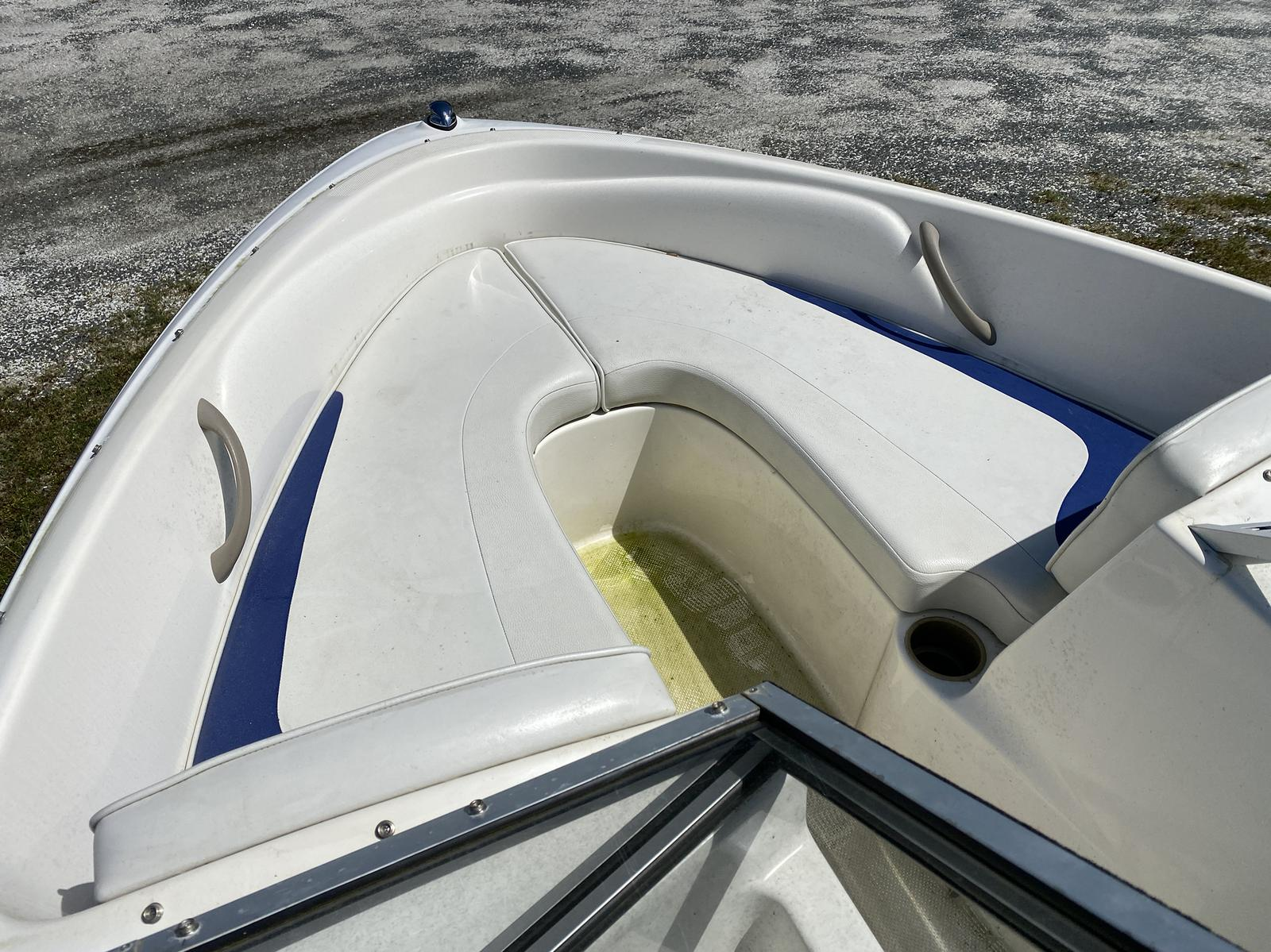 2003 Bayliner boat for sale, model of the boat is 175 Bowrider & Image # 6 of 10
