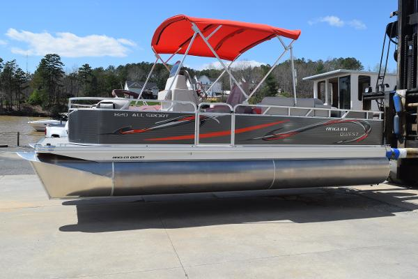 2021 Angler Qwest 820 All Sport thumbnail