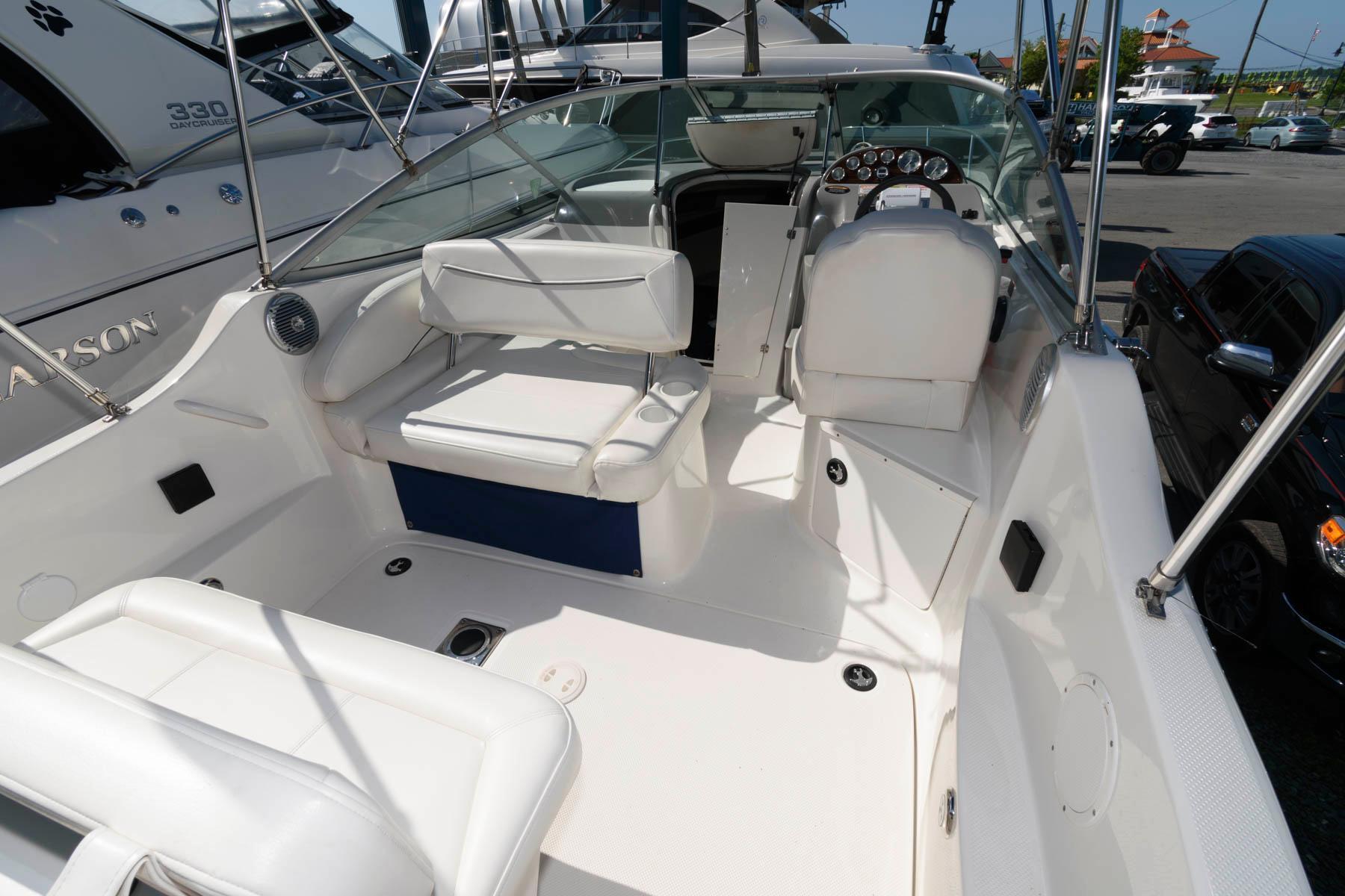 M 6241 TW Knot 10 Yacht Sales