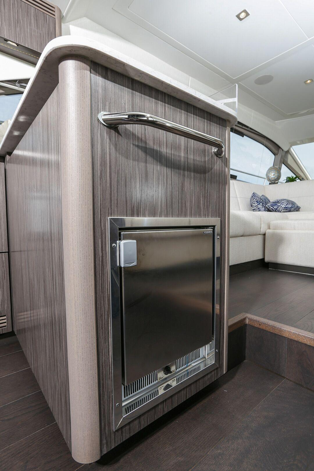 2018 Sea Ray Fly 460 #TB9051JHP inventory image at Sun Country Coastal in San Diego