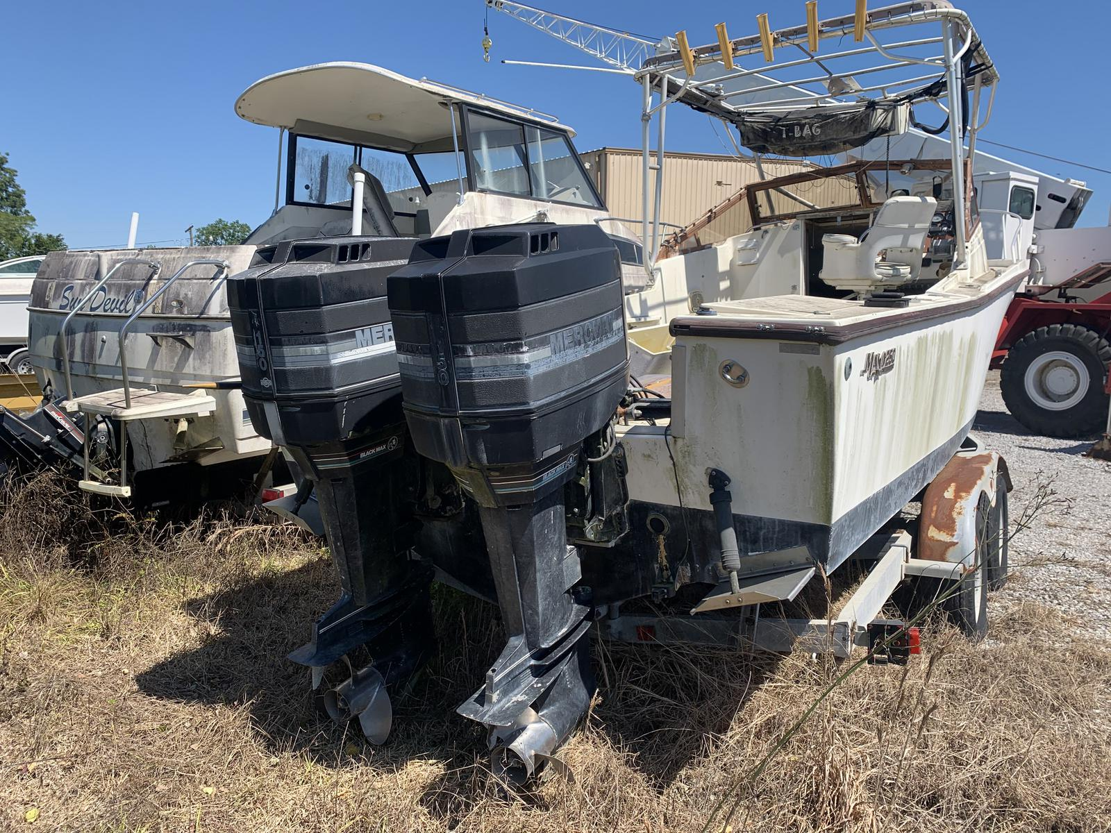 1989 Mako boat for sale, model of the boat is 250 & Image # 3 of 4
