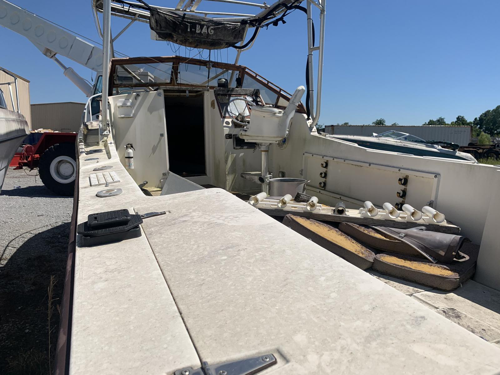 1989 Mako boat for sale, model of the boat is 250 & Image # 4 of 4