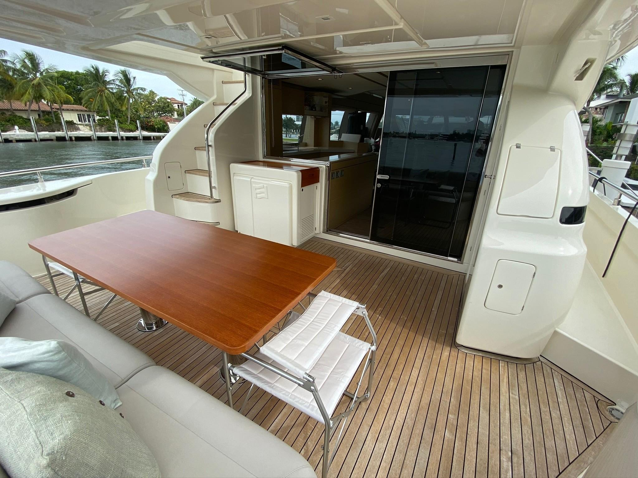 2013 Ferretti 690 Rally Round The Family - Aft Deck
