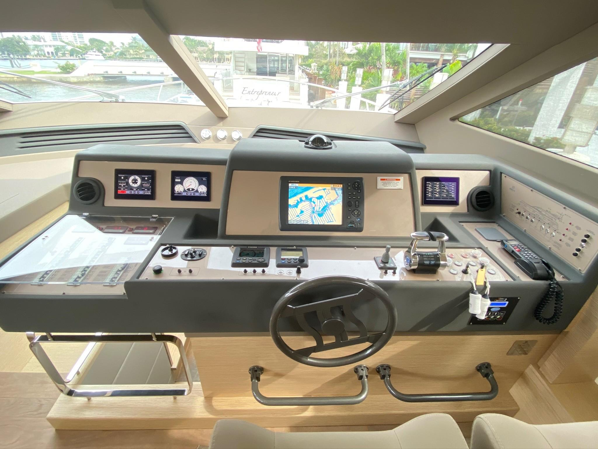 2013 Ferretti 690 Rally Round The Family - Lower Helm