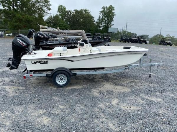 2020 Mako boat for sale, model of the boat is Pro Skiff 15 CC & Image # 1 of 10