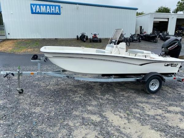 2020 Mako boat for sale, model of the boat is Pro Skiff 15 CC & Image # 3 of 10