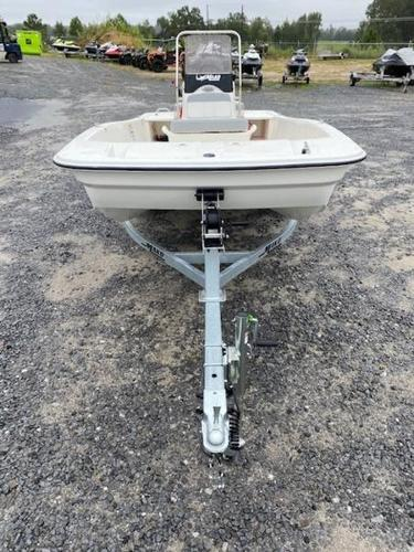 2020 Mako boat for sale, model of the boat is Pro Skiff 15 CC & Image # 6 of 10