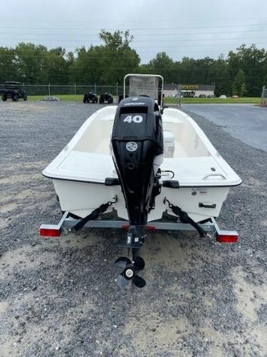 2020 Mako boat for sale, model of the boat is Pro Skiff 15 CC & Image # 7 of 10