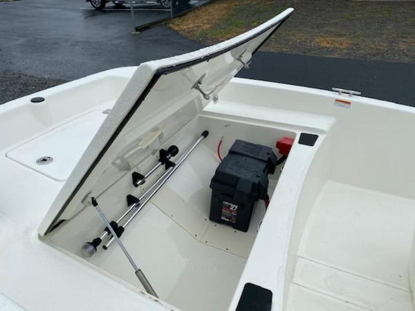 2020 Mako boat for sale, model of the boat is Pro Skiff 15 CC & Image # 8 of 10