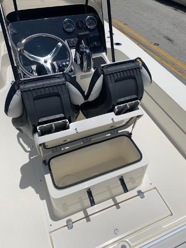 2021 ShearWater boat for sale, model of the boat is X22 HYBRID & Image # 5 of 16