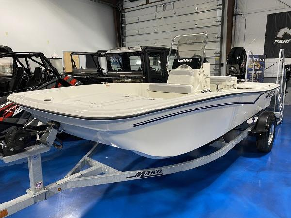 2021 Mako boat for sale, model of the boat is SKIFF 15CC & Image # 1 of 8