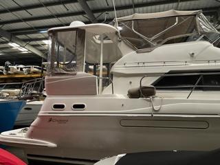 M 5917 EF Knot 10 Yacht Sales