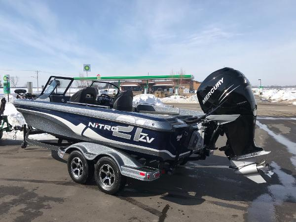2018 Nitro boat for sale, model of the boat is ZV21 & Image # 3 of 18