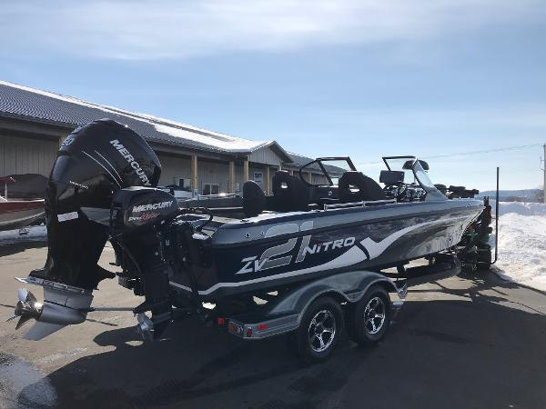 2018 Nitro boat for sale, model of the boat is ZV21 & Image # 13 of 18