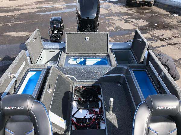 2018 Nitro boat for sale, model of the boat is ZV21 & Image # 6 of 18