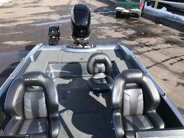 2018 Nitro boat for sale, model of the boat is ZV21 & Image # 5 of 18