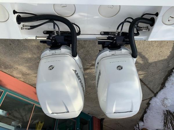 2016 Mako boat for sale, model of the boat is 284CC & Image # 5 of 24