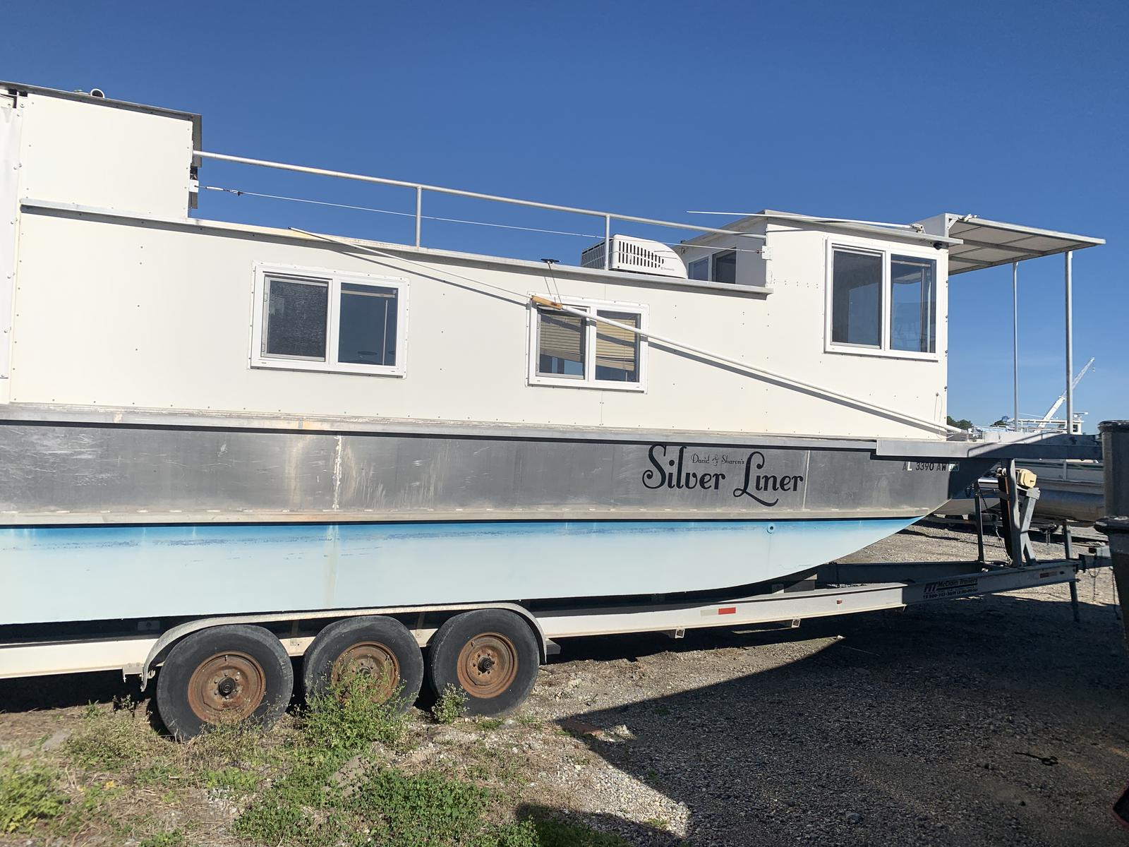 1999 House Boat boat for sale, model of the boat is Custom & Image # 15 of 16