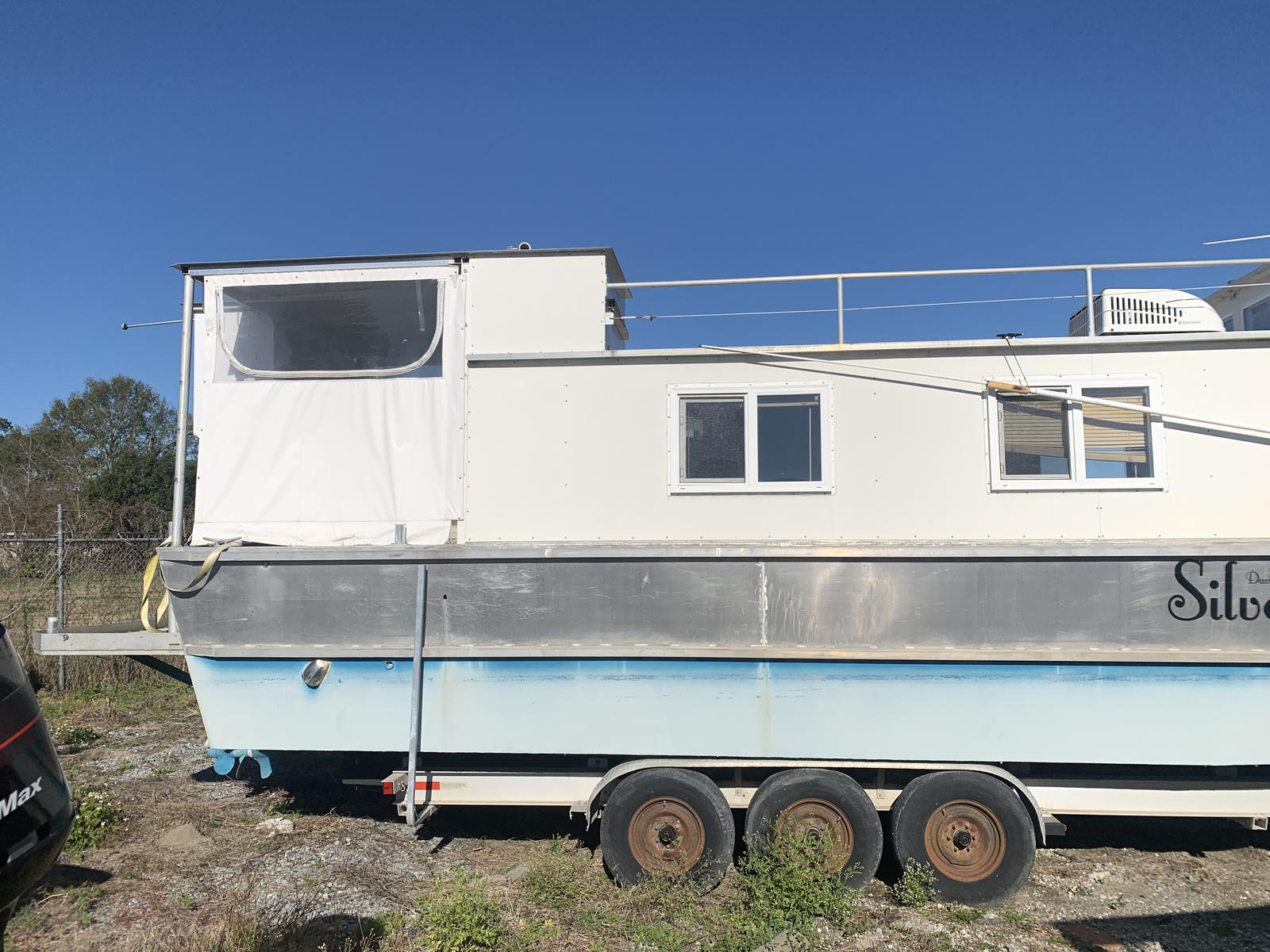 1999 House Boat boat for sale, model of the boat is Custom & Image # 16 of 16