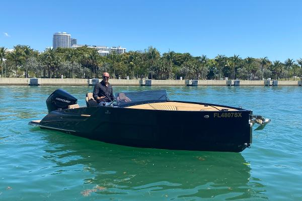2021 D-Boat Diamond 550